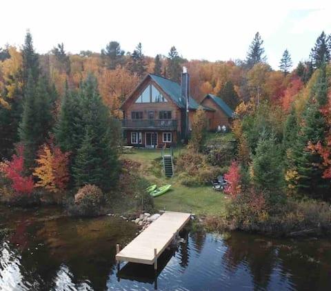 Stunning 4 Season Chalet Style Waterfront cottage