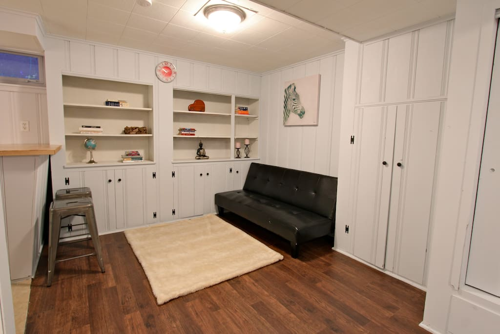 Clean living/working space to relax. Tons of storage