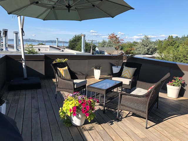Alki Rooftop Retreat