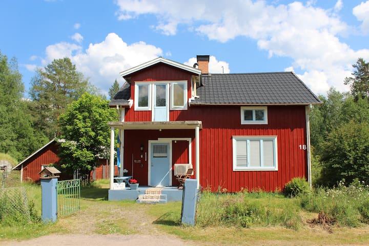 Oude boswachtershuis in Sågen
