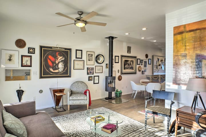 With beds for 4, original artwork, and more, this Chattanooga home is 5-star.