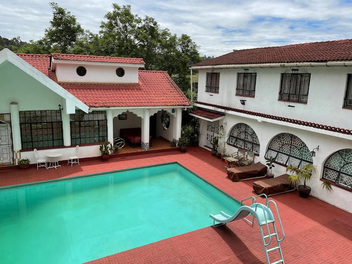 Cosy 2-bedroom guest house in lush Muthaiga