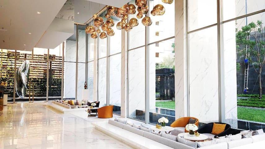 BTS NANA 高檔公寓曼谷市中心! 中英泰文都可溝通,可入住到3人,入住時間下午2- 晚上11點