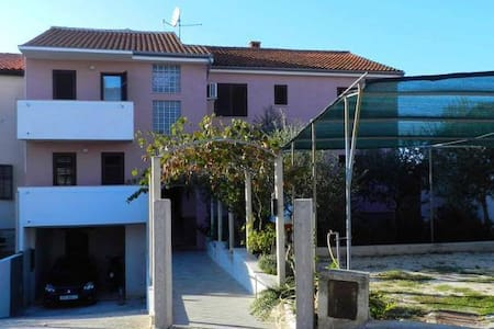 3 Bed Apartment for Dimensions / Outlook Festival - Pula - Wohnung