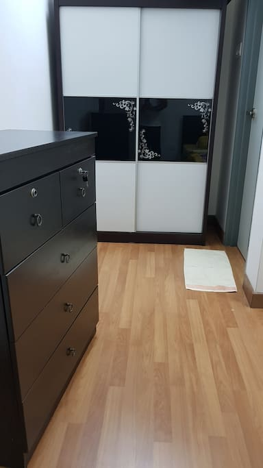 Closet and Wardrobe