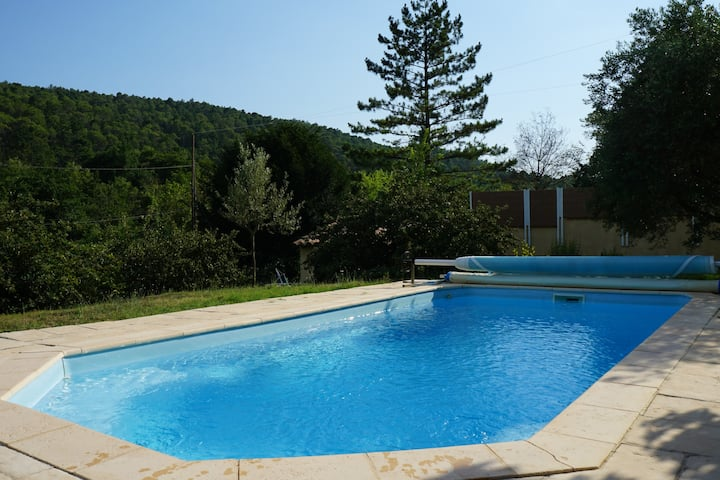 Studio avec piscine chauffée