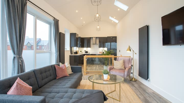 Unique Home With Incredible Views of Cardiff Bay