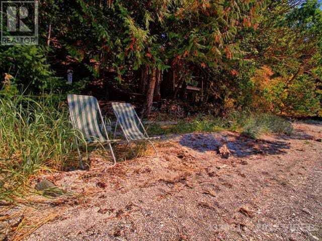 DENMAN ISLAND Oceanfront on private 10 acres