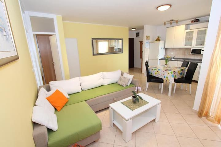 Modern Apartment 2 Bedrooms NV
