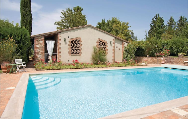 Holiday cottage with 1 bedroom on 35m² in Asciano SI