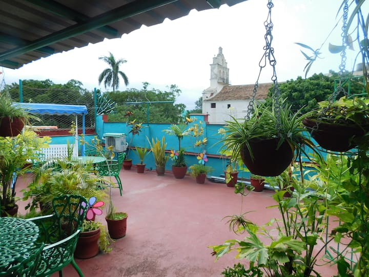 ☆ 2 Priv Colonial Rooms w Breakfast,Terrace,WIFI ♥