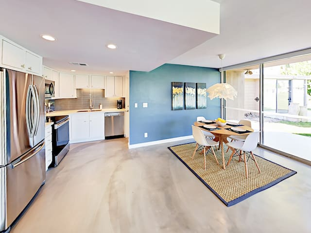 Your rental will be meticulously clean for your arrival, thanks to TurnKey's professional housekeeping team.