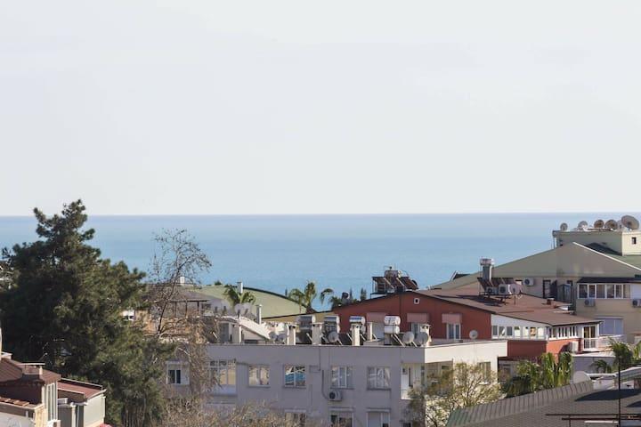 Şehir merkezin de plajlara çok yakın