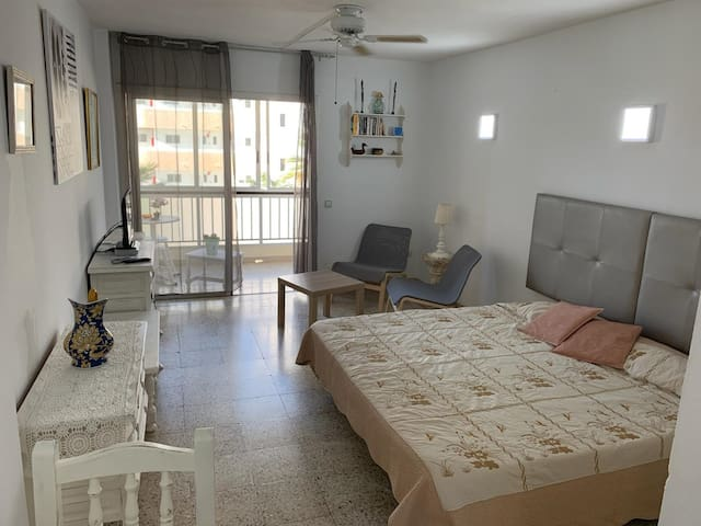 530.Big studio with terrace,Playa de Las Americas