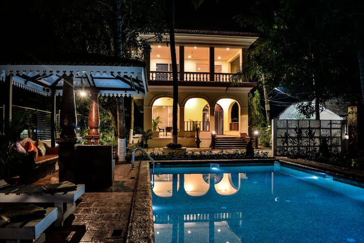 Happy Chimes- Luxury Villa with Private Pool