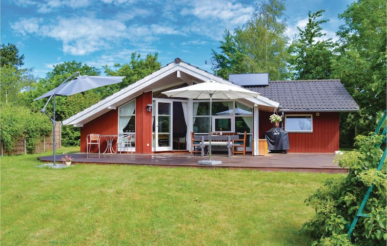 Holiday cottage with 2 bedrooms on 69m² in Jægerspris