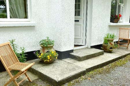 'Glenarra House' - Ballyvaughan - Hytte
