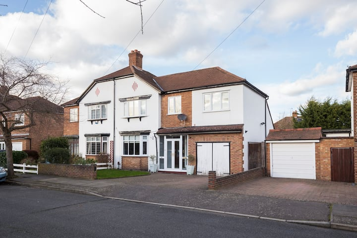 Family Home in Kent 40 mins from Central London