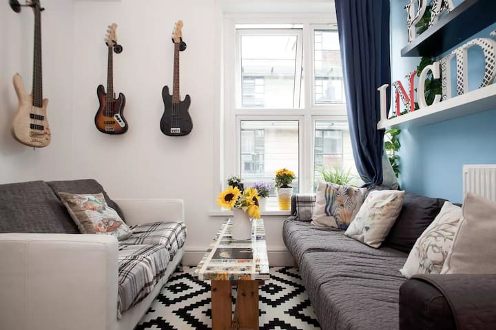 AMAZING LOCATION on Brick Lane-Zone 1-Shoreditch