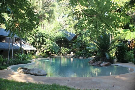 Ferntree Rainforest Lodge Private Cabin