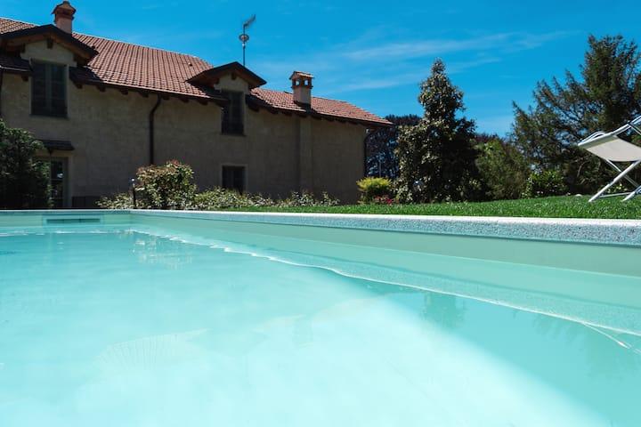 Il bosso del lago d'Orta - Mansarda con piscina