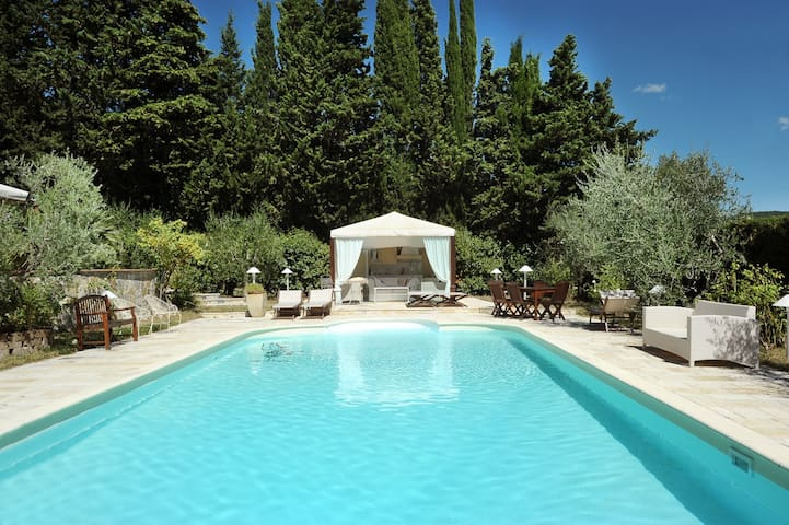 APARTMENT POOL AT THE GATES OF FLORENCE - L'apparita-monte Pilli
