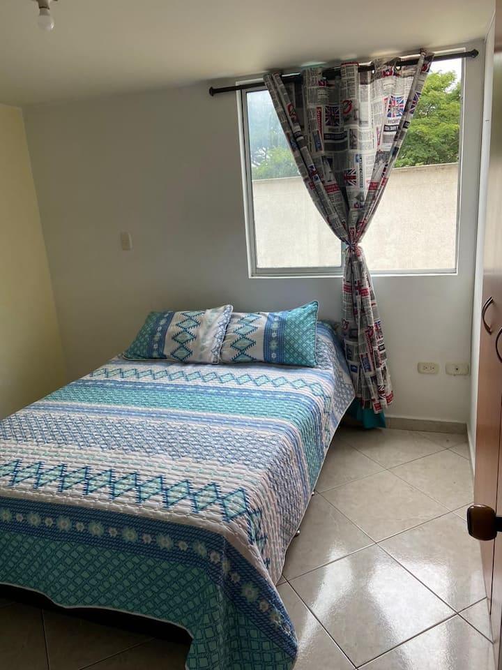 Habitación privada con baño en condominio