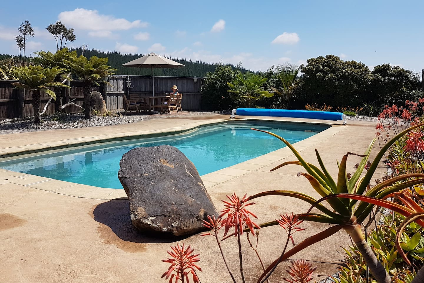 11m pool available all the time