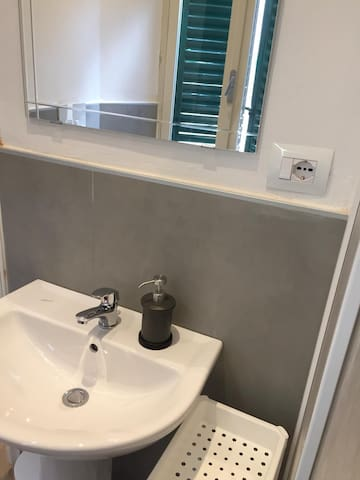 monolocale con bagno e cucina privati