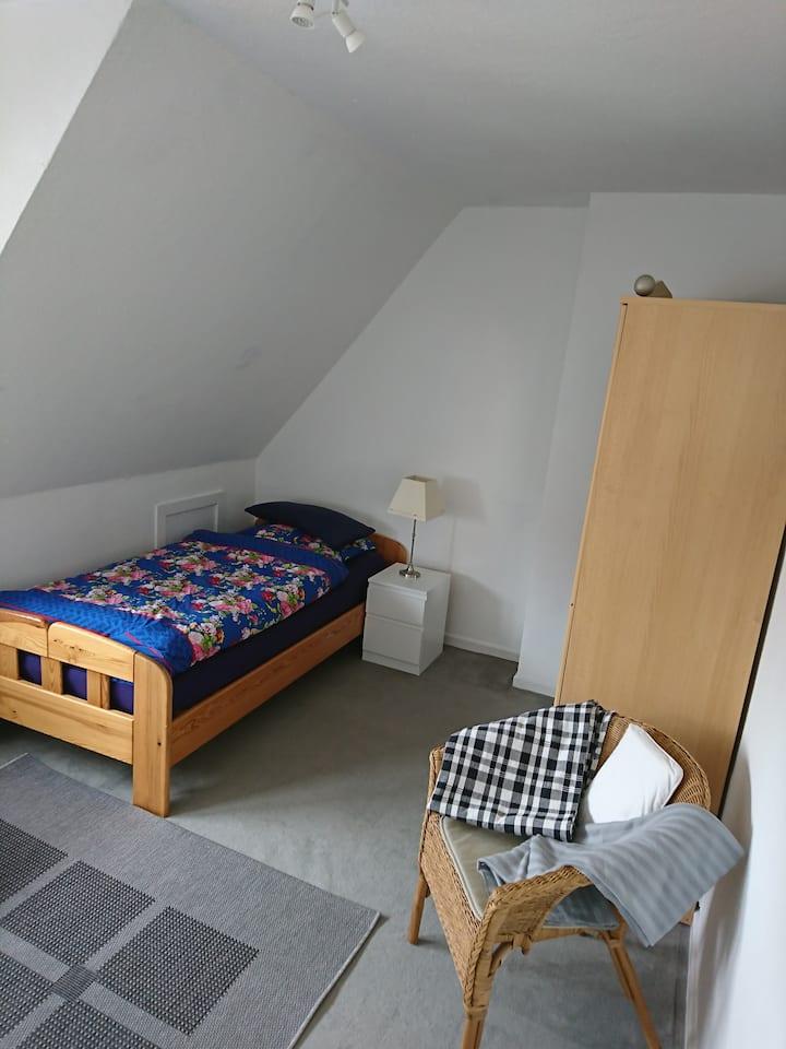 Quiet room in the centre of Emden 4