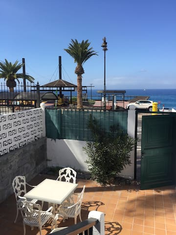House next to the ocean - Santiago del Teide - Huis