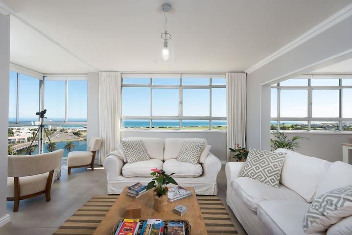 Large Apartment Stunning Ocean View