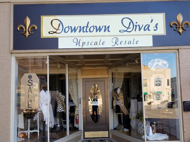 How about that new wardrobe at reasonable prices. It's here in downtown Urbana.