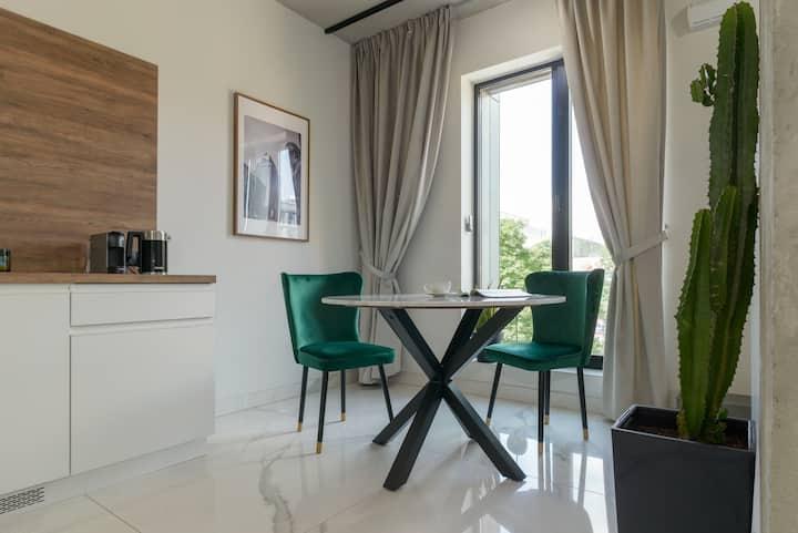 Centro Design Apartments  02