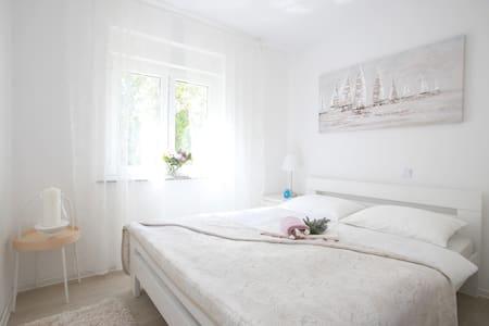 Apartment MELIN *** Lavanda-Malinska