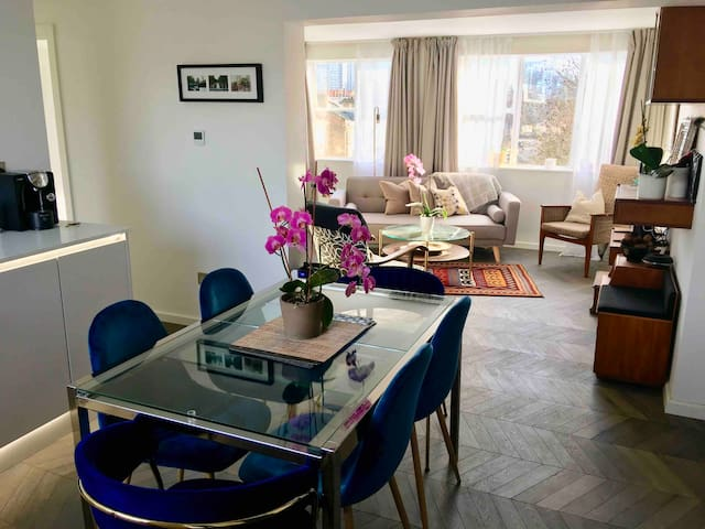 Newly renovated apartment in Little Venice, London