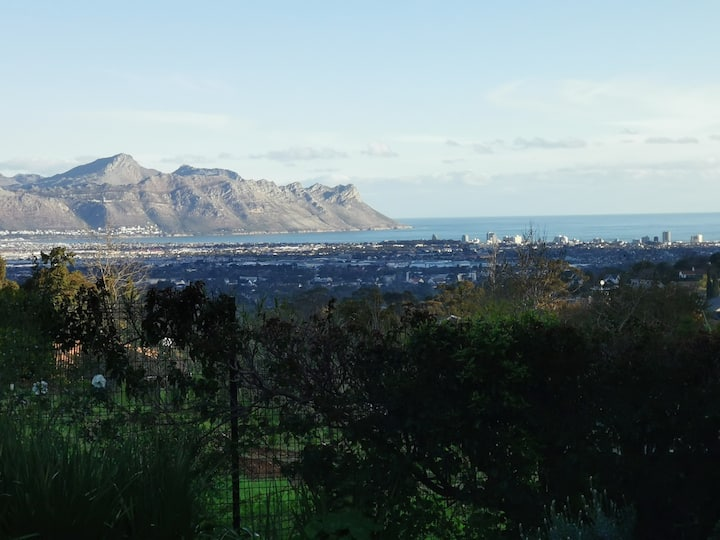 Pleasant Somerset West home with a view