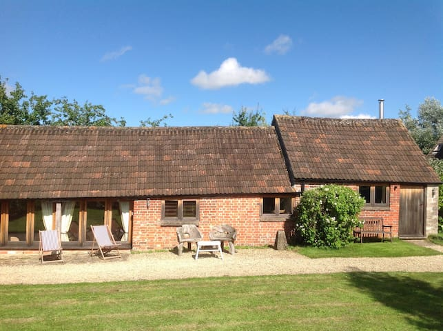 Cozy converted barn near Malmesbury