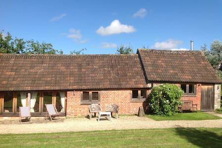 Cozy converted barn near Malmesbury - Brinkworth - Rumah