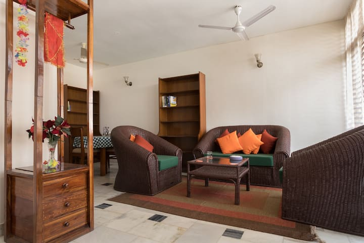 2 Bedroom Flat at a Fab South Delhi Location