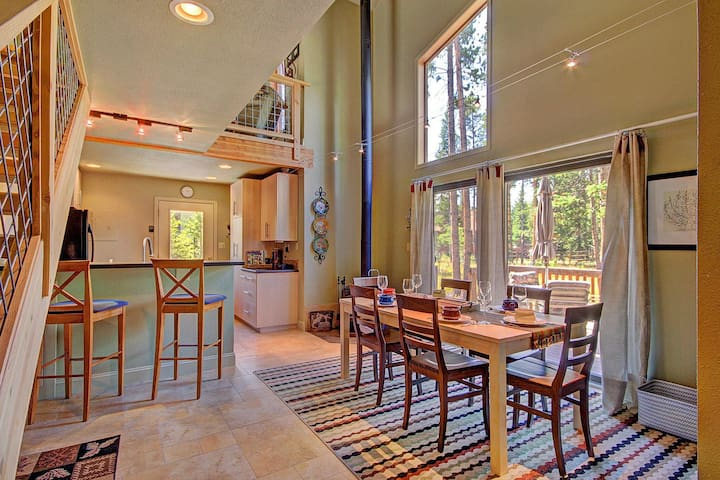Peak Seven Cottage by SkyRun! Charming Cottage Feel! Hot Tub! FREE Activities! - Breckenridge - Hus