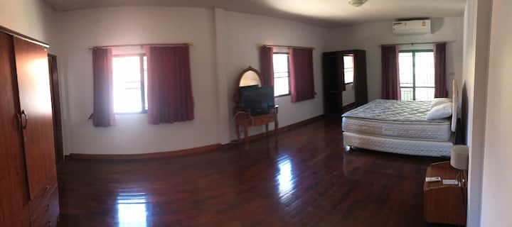 House to rent weekly / monhtly