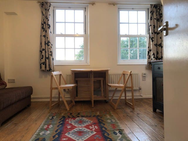 2-person flat in central London, Exmouth Market