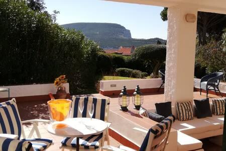 Villa Capocaccia, Pischina Salida