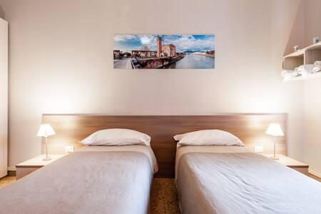 Sognando Verso la Torre Camera n° 3 - Pisa