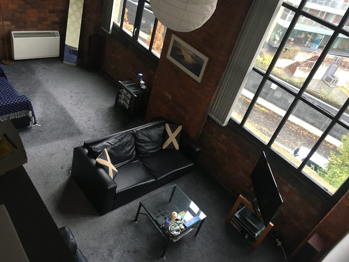 1 Bed Loft Apartment – Canal View, Near Deansgate
