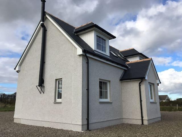 Bayview Beach House nr Stornoway - Holm - Ev