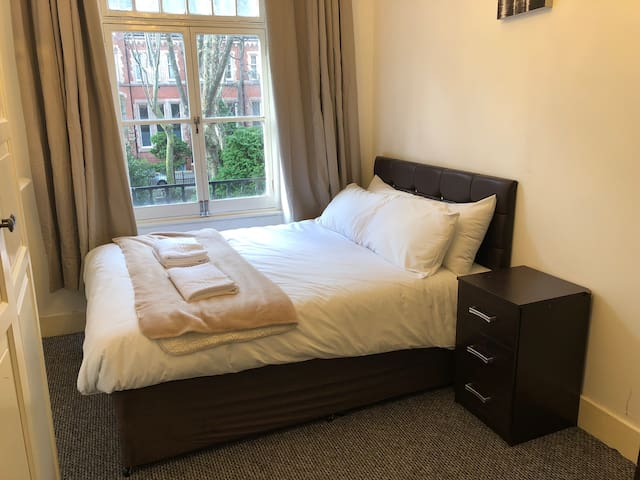 Budget One Bedroom Oxford street