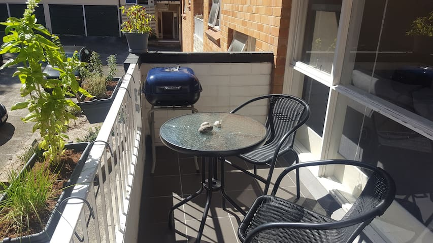 1 bed apartment in the heart of Dee Why - Dee Why - Wohnung
