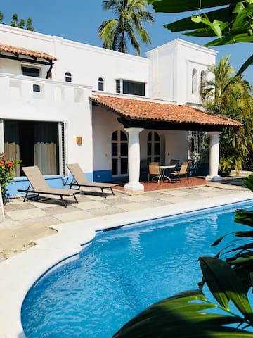 Villa grande en Club Santiago cerca de la Playa
